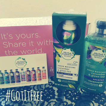 Photo of Herbal Essences Cucumber & Green Tea Foam Conditioner uploaded by linsey t.