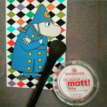 Photo of Essence All About Matt! Fixing Compact Powder uploaded by Valeriaya V.
