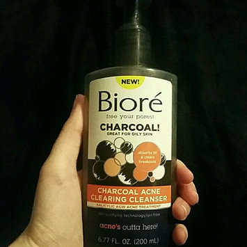 Photo of Bioré Charcoal Acne Clearing Cleanser uploaded by BriAnna 💀.