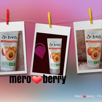 Photo of St. Ives Acne Control Apricot Scrub uploaded by mero B.