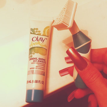 Photo of Olay Fresh Effects Va-Va-Vivid Powered Contour Cleansing System uploaded by Tamarah O.