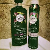 Herbal Essences Cucumber and Green Tea Shampoo uploaded by Bobbi B.