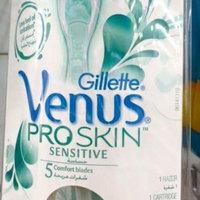 Gillette Venus ProSkin MoistureRich Razor uploaded by mero B.