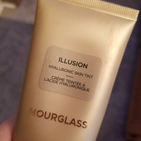 Hourglass Illusion Hyaluronic Skin Tint uploaded by Kylie R.