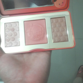 Photo of Too Faced Sweet Peach Glow Infused Highlighting Palette uploaded by Daneymis BM-118761 P.