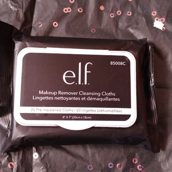 Photo of e.l.f. Makeup Remover Exfoliating Cleansing Cloths uploaded by Melissa B.