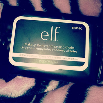 Photo of e.l.f. Makeup Remover Exfoliating Cleansing Cloths uploaded by Jasmine R.