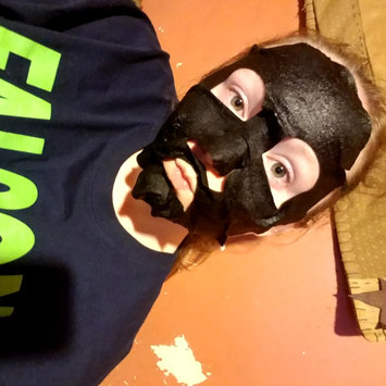 Photo of Yes To Tomatoes Detoxifying Charcoal Paper Mask uploaded by Taylor S.