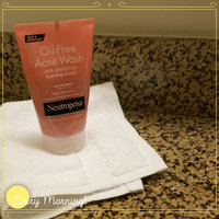 Neutrogena® Oil-Free Acne Wash Pink Grapefruit Facial Cleanser uploaded by Marcia V.