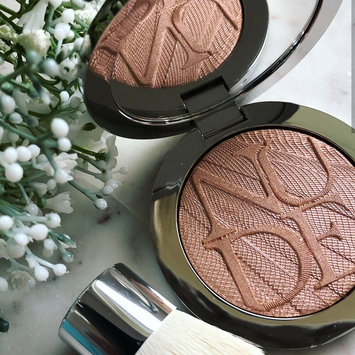 Photo of Dior Diorskin Nude Air Luminizer Powder Shimmering Sculpting Powder uploaded by Sarah H.