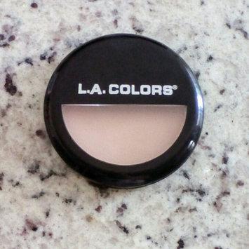 Photo of L.A. Colors Pressed Powder uploaded by Sabrina Gabriela G.