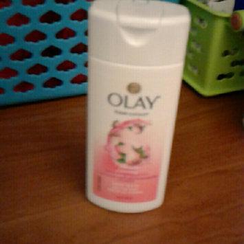 Photo of Olay Fresh Outlast Body Wash, Cooling White Strawberry & Mint, 13.5 fl oz uploaded by stefanie b.