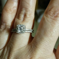 BERRICLE Sterling Silver 0.75 ct.tw Cushion Cubic Zirconia CZ Halo Engagement Wedding Ring Set [] uploaded by Kimberly C.