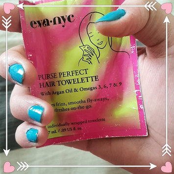 Photo of Eva NYC Purse Perfect Hair Towelettes uploaded by Carla B.