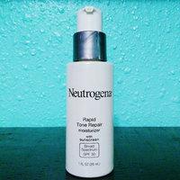 Neutrogena® Healthy Skin Rapid Tone Repair Moisturizer SPF 30 uploaded by Reyna D.