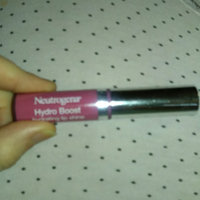 Neutrogena® Hydro Boost Hydrating Lip Shine uploaded by Jay 💖.