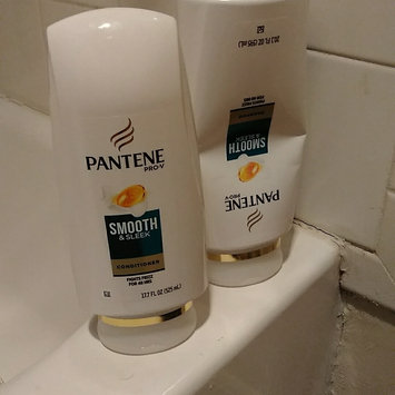 Photo of Pantene Pro-V Smooth & Sleek Conditioner uploaded by Mariah S.