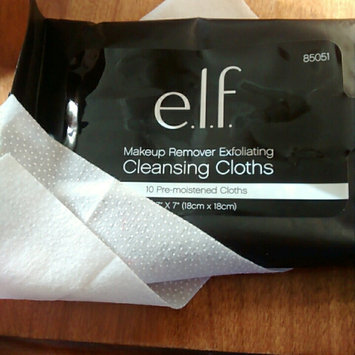Photo of e.l.f. Makeup Remover Exfoliating Cleansing Cloths uploaded by Christa D.