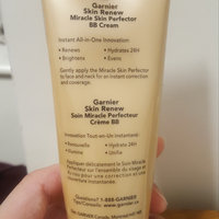 Garnier SkinActive 5-in-1 Miracle Skin Perfector Oil-Free BB Cream uploaded by ᴘʟᴀɴᴛɪɴɢ ᴡ.