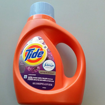 Photo of Tide Plus Febreze Freshness Liquid Laundry Detergent uploaded by Cia P.