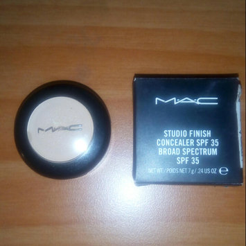 Photo of M.A.C Cosmetics Studio Finish SPF 35 Concealer uploaded by Estefy L.