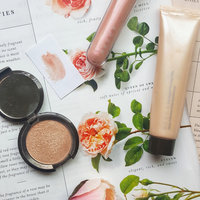 BECCA Light Chaser Highlighter uploaded by Savannah P.