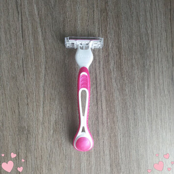 Photo of Gillette Venus Simply Venus Disposable Razors uploaded by Angie G.