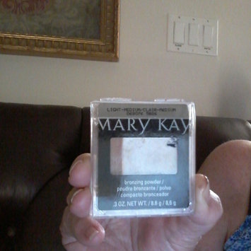 Photo of Mary Kay Sheer Mineral Pressed Powder - Bronze 1 uploaded by Kimberly Lukacs L.