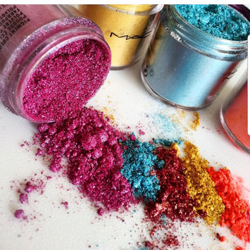 Photo of M.A.C Cosmetics Pigment uploaded by Angela 🌹.
