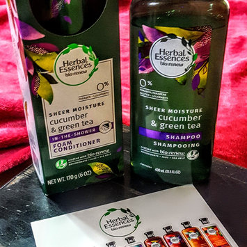 Photo uploaded to Herbal Essences Cucumber & Green Tea Foam Conditioner by Robin P.