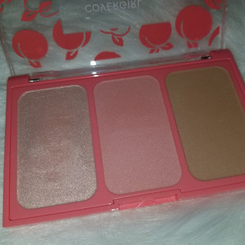 Photo of COVERGIRL Peach Punch Highlighter Palette uploaded by april i.