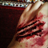 Latex Liquid Fake Skin Halloween Makeup uploaded by panda 🐼.