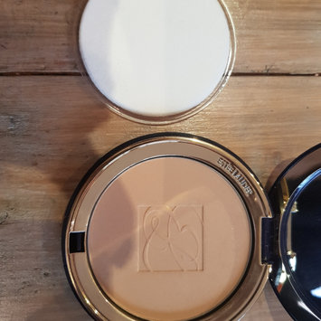 Photo of Estée Lauder Lucidity Translucent Pressed Powder uploaded by Nicole W.