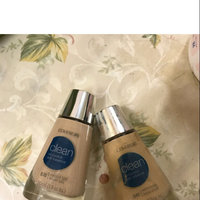 COVERGIRL Clean Oil Control Makeup 530 Classic Beige uploaded by Dalia k.