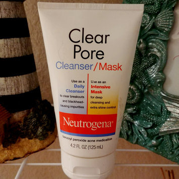 Photo of Neutrogena®  Clear Pore Cleanser/Mask uploaded by Ruby Z.
