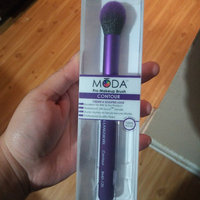 Royal and Langnickel Moda Highlight and Glow Professional Makeup Brush uploaded by Karen A.