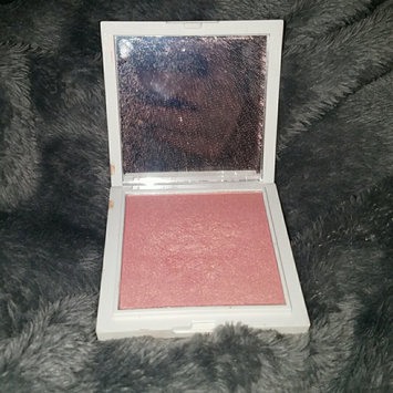 Photo of Jessica Liebeskind Illuminating Face Highlighter uploaded by Samantha p.