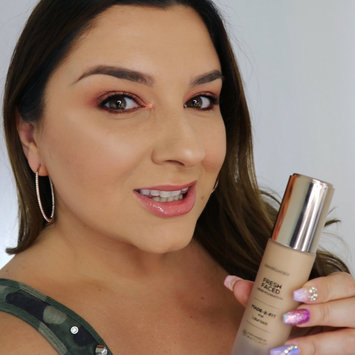 Photo of bareMinerals MADE-2-FIT Fresh Faced Liquid Foundation uploaded by Laurissa D.