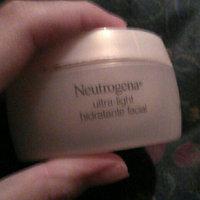 Neutrogena® Ultra Light Cleansing Oil uploaded by Fabiana P.
