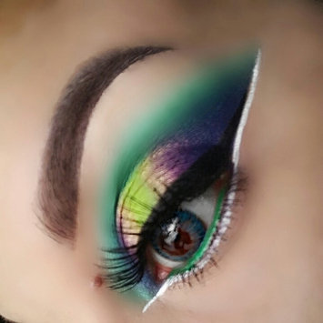 Photo of MAKE UP FOR EVER 12 Flash Color Case uploaded by Alicia C.