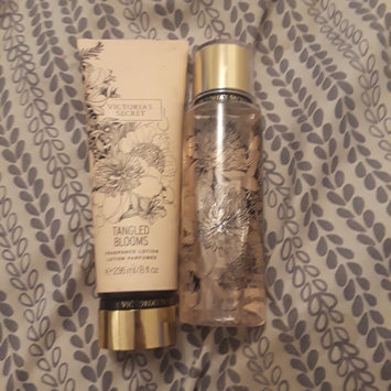 Photo of Victoria's Secret Untamed Tangled Blooms Fragrance Mist uploaded by yolimar s.
