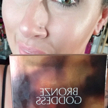Photo of Estée Lauder Bronze Goddess Powder Bronzer uploaded by Carrie S.