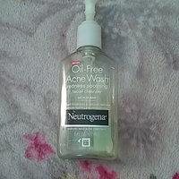 Neutrogena® Oil-Free Acne Wash uploaded by Andrea D.