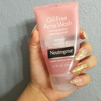 Neutrogena® Oil-Free Acne Wash Pink Grapefruit Foaming Scrub uploaded by Perla L.