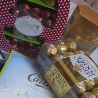 Lindt Ultimate 8-flavor Assortment Lindor Truffles uploaded by Hammami A.
