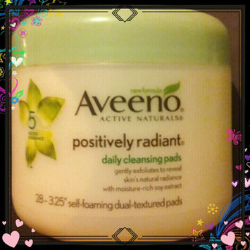 Photo of Aveeno®  Positively Radiant Exfoliating Daily Cleansing Pads uploaded by Danielle L.