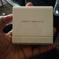Fenty Beauty Portable Highlighter Brush 140 uploaded by Florence J.