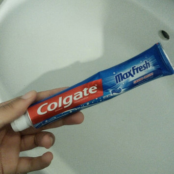Photo of Colgate® MaxFresh® with WHITENING MINI BREATH STRIPS Toothpaste Cool Mint uploaded by tunisienne t.