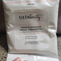 ULTA Sensitive Skin Facial Cleansing Towelettes 25 Ct uploaded by Joyee P.