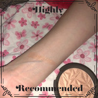 BECCA Shimmering Skin Perfector® Pressed Highlighter uploaded by Celia P.